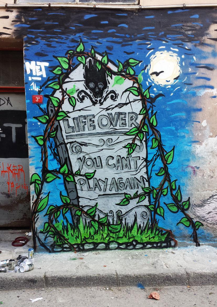 istanbul_turkiye_karakoy_graffiti_graffitici_turk_grafiti_grafitici_met_meturkmen_metstyler_muhammed_emin_turkmen_life_over_1