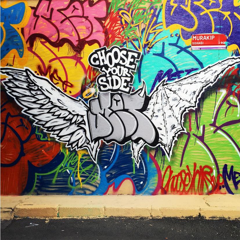 istanbul_turkiye_karakoy_graffiti_graffitici_turk_grafiti_grafitici_met_meturkmen_metstyler_muhammed_emin_turkmen_chooseyourside_choose_your_side_kanatlar