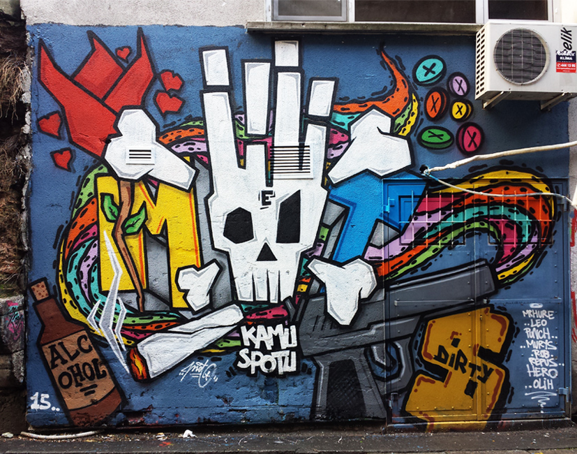 istanbul_turkiye_karakoy_graffiti_graffitici_turk_grafiti_grafitici_met_meturkmen_metstyler_muhammed_emin_turkmen_kamu_spotu_1